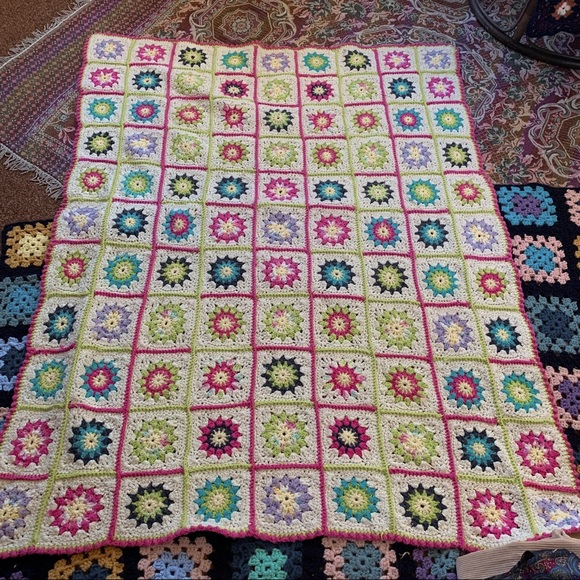 ❉ vintage granny square crochet blanket ❉